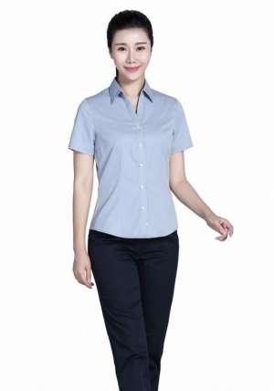 浅灰V领短袖衬衫